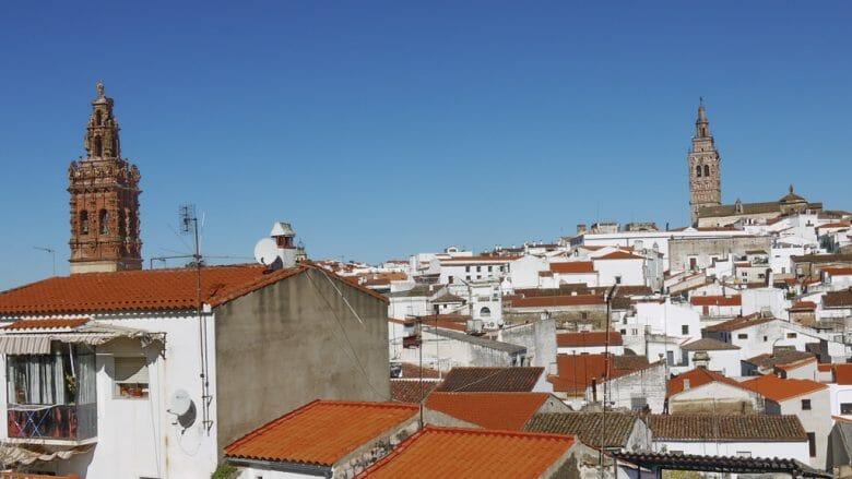 Blick über die Dächer von Jerez de los Caballeros