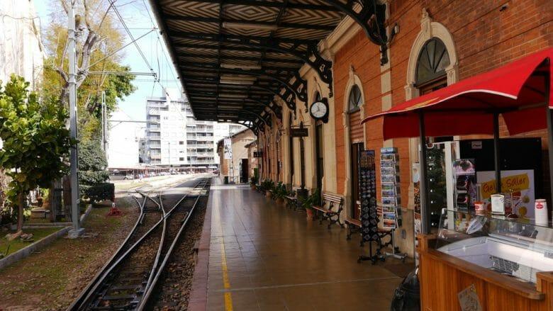 Eisenbahnromantik, der alte Bahnhof der Sóllerbahn in Palma