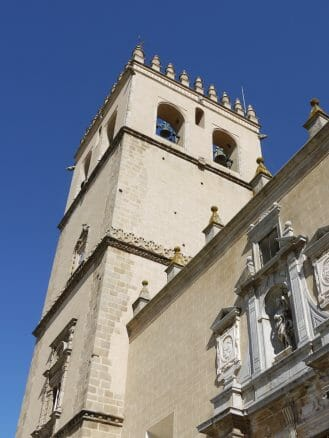 Turm der Kathedrale Kathedrale San Juan Bautista von Badajoz