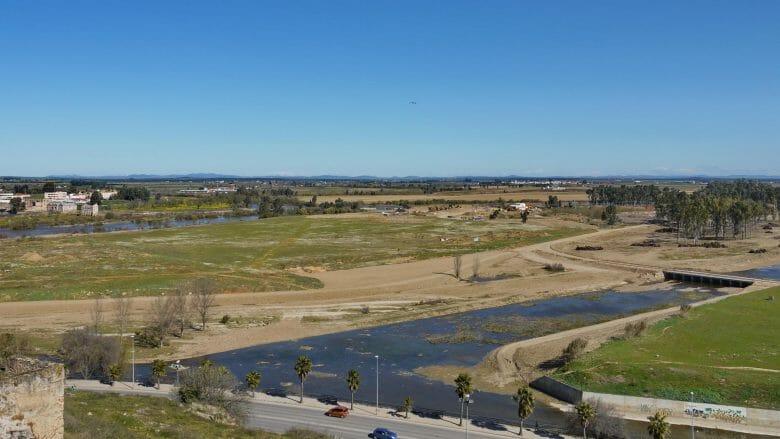 Badajoz liegt am Fluss Guadiana