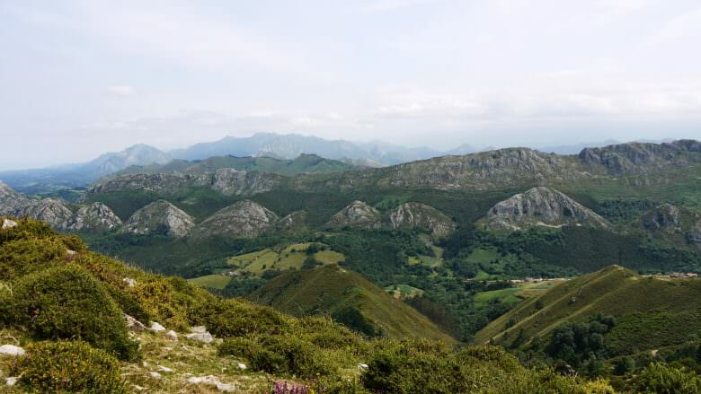 Blick auf die Berge der Sierra del Sueve