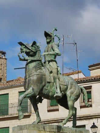 Denkmal für den Eroberer von Peru Francisco Pizarro in Trujillo