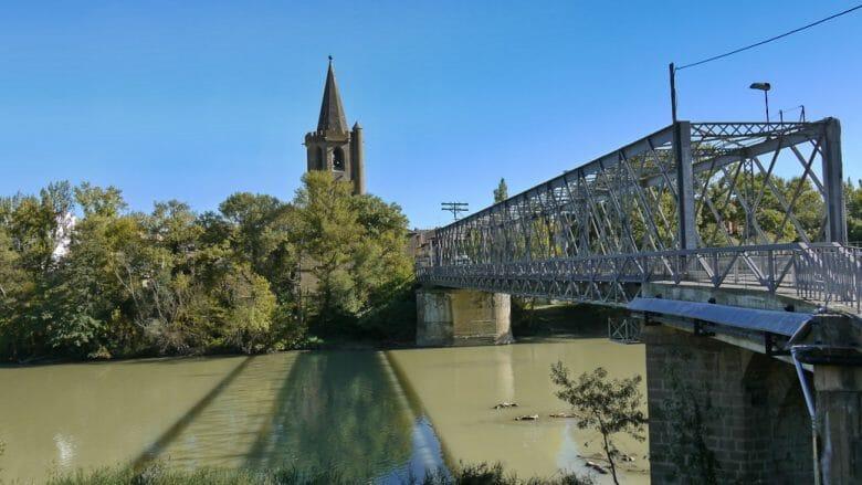 Brücke über den Fluss Aragón