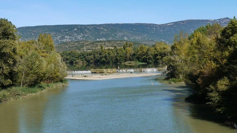 Blick auf den Río Aragón bei Sangüesa