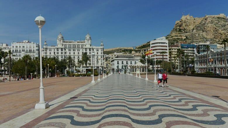 Promenade Puerta del Mar im ehemaligen Hafengebiet