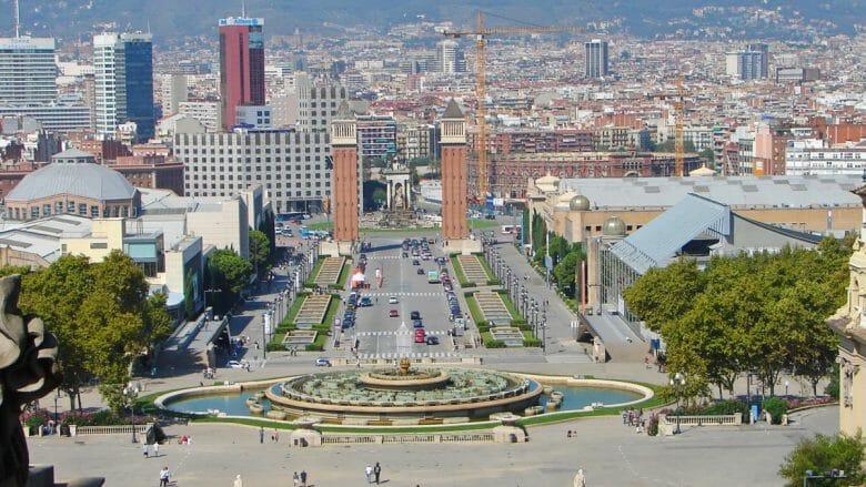 Blick auf die Placa d'Espanya vom Museu Nacional d'Art de Catalunya