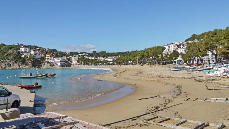 Strand von LLafranc, einer der schönsten kleinen Badeorte an der Costa Brava
