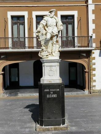 Denkmal für den Weltumsegler Juan Sebastián Elcano