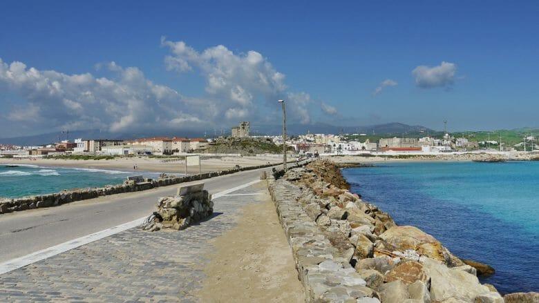 Blick auf Tarifa zwischen Atlantik und Mittelmeer