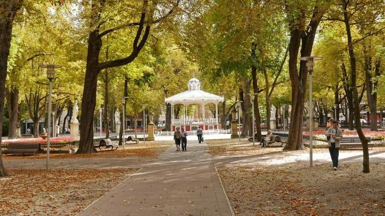 Herbstliche Stimmung im Parque de la Florida in Vitoria-Gasteiz