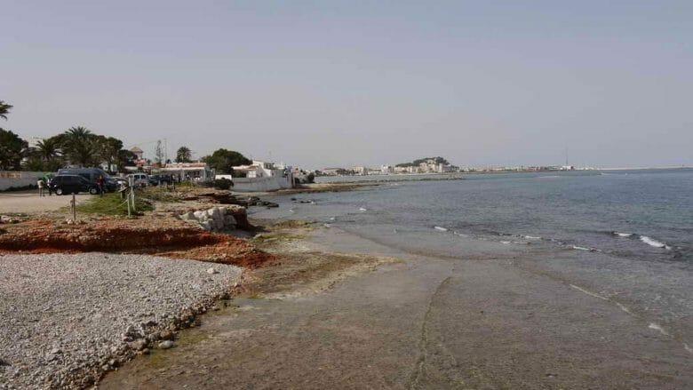 Kiesstrände und kleine Buchten im Süden des Badeortes