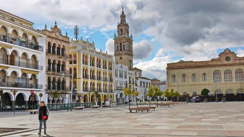 Der Hauptplatz Plaza de España in Écija