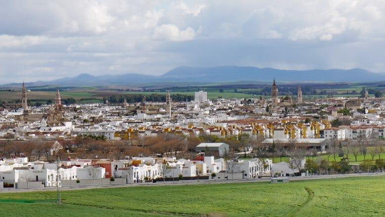 Blick vom Cerro de San Cristóbal auf Écija