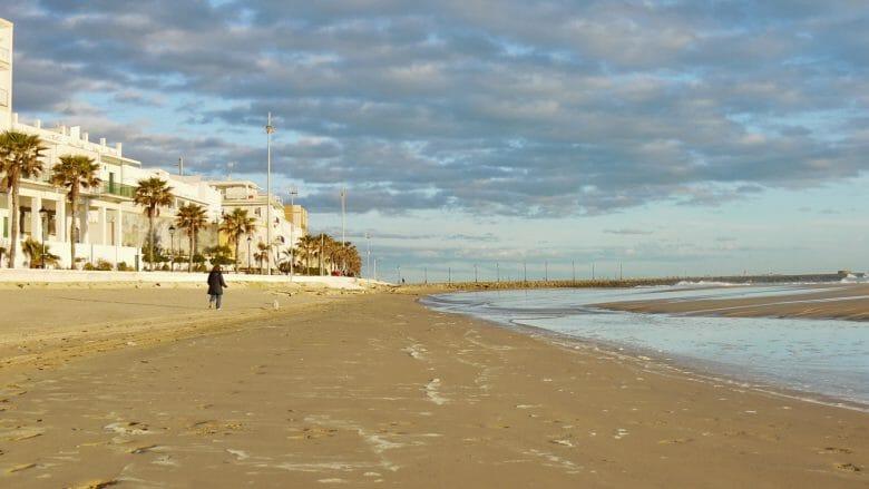 Abendlicher Spaziergang am Strand von Rota
