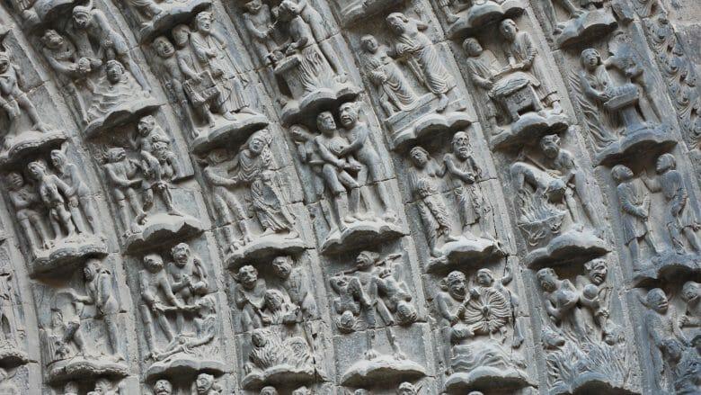 Darstellungen des Jüngsten Gerichts am Westportal der Kathedrale von Tudela