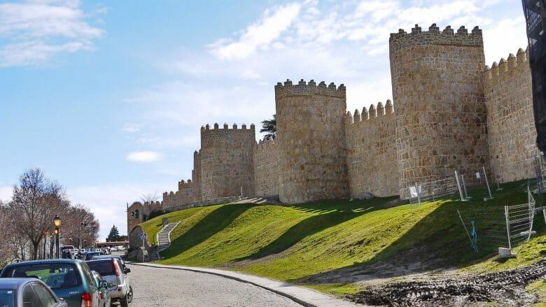 Die Stadtmauer von Ávila