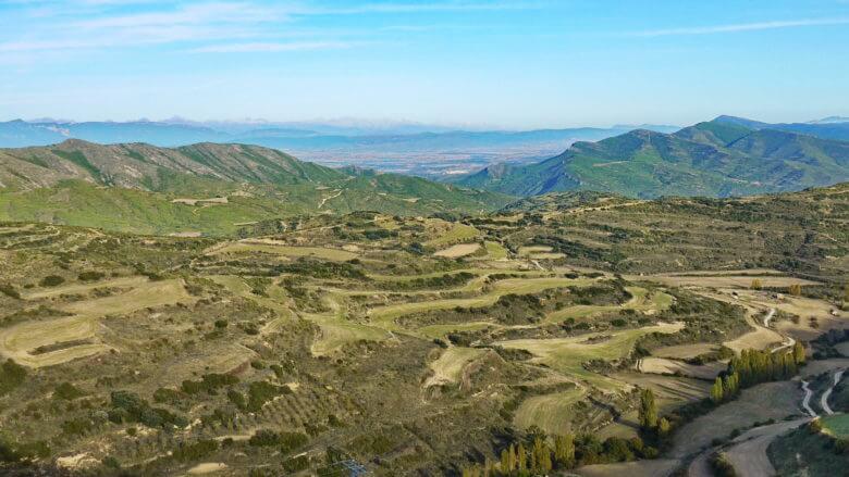 Bergige Landschaften und Terassen in der Umgebung von Ujué