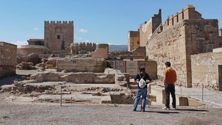 Im Hof der Alcazaba von Almería
