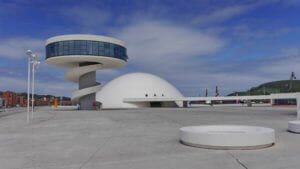 Das Centro Niemeyer in Avilés