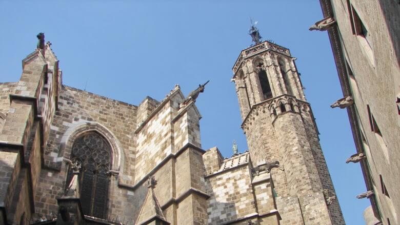 Glockenturm der Kathedrale von Barcelona im Barri Gòtic