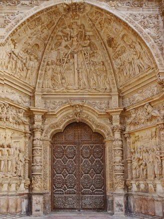 Der reich verzierte Haupteingang zur Kathedrale von Astorga