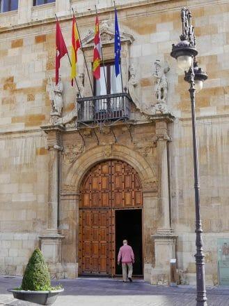 Palacio de Los Guzmanes, Sitz der Provinzregierung