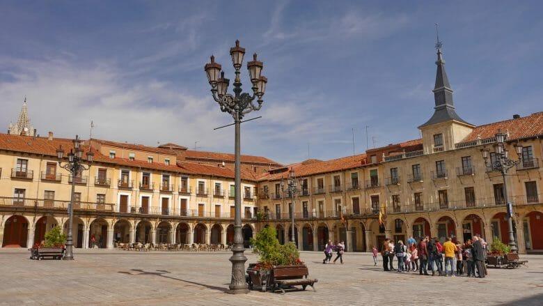 Der Hauptplatz Plaza Mayor in León