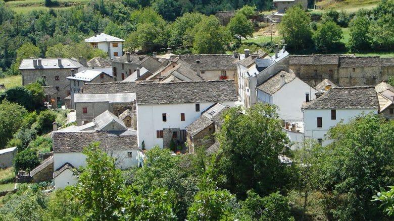 Das Pyrenäendorf Fragen in der Provinz Huesca