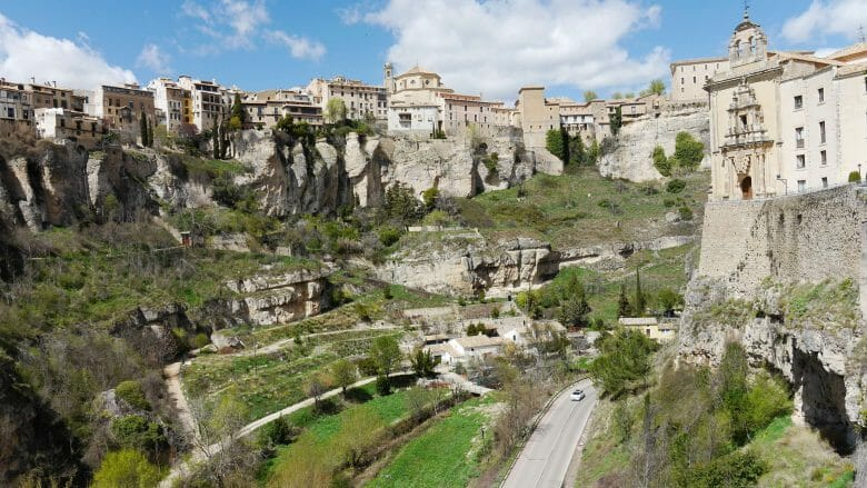 Über der Schlucht des Flusses Huecar erhebt sich die Altstadt von Cuenca