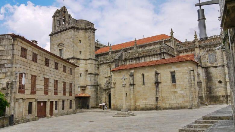 Die Basilika Santa María in Pontevedra