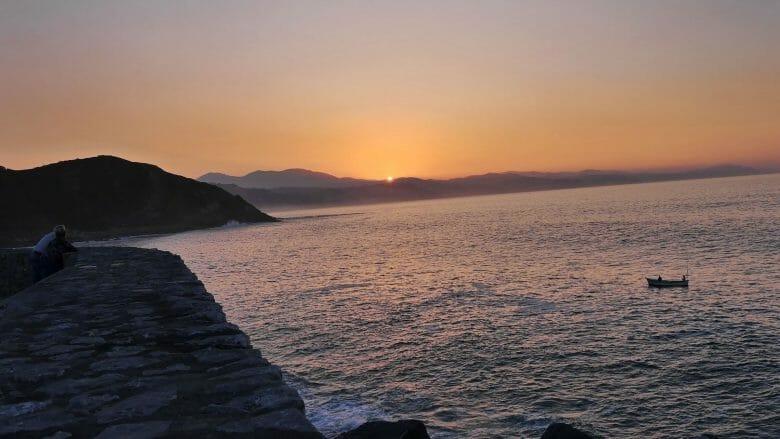 Sonnenuntergang an der Costa Vasca