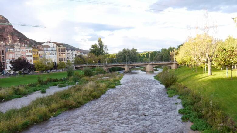 Der Río Najerilla fließt mitten durch Nájera