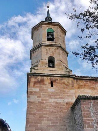 Turm der Pfarrkirche Santa Cruz in Nájera