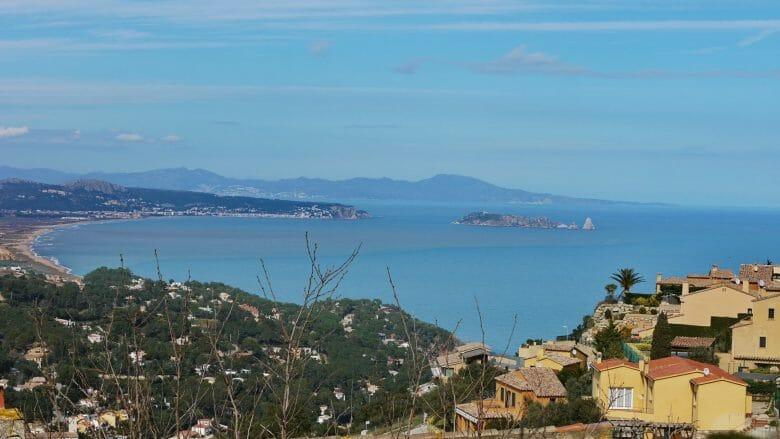 Begur: Blick von Burgberg auf die Illes Medes