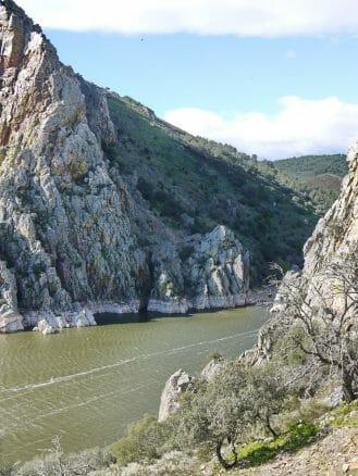 Die Tajoschlucht El Salto del Gitano im Nationalpark Monfragüe