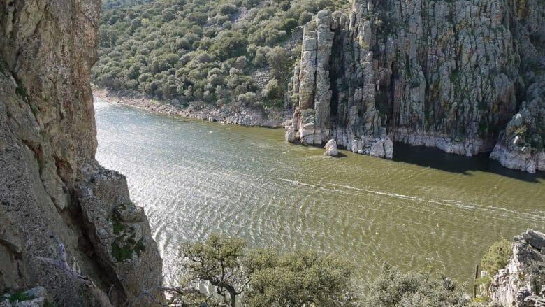 Die Schlucht El Salto del Gitano des Tajos im Nationalpark Monfragüe