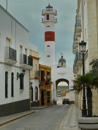 Blick auf den Leuchtturm von Rota