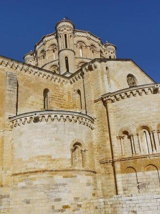 Kuppel der Kirche Santa María in Tor aus dem 12. Jh.