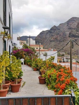 Blumengeschmückte Terrasse in Valle Gran Rey