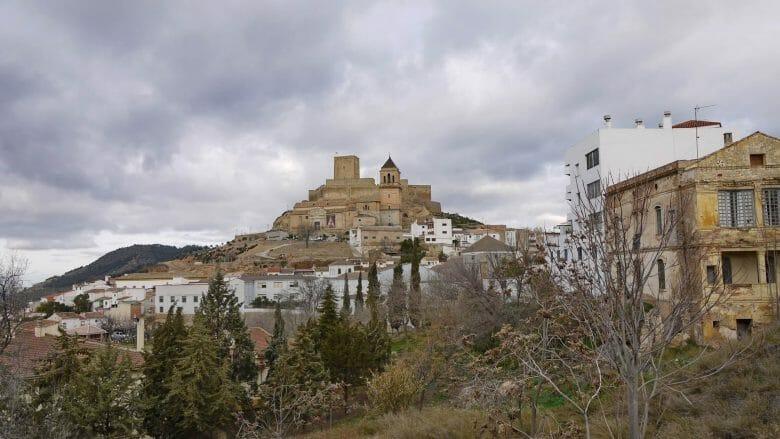 Die Altstadt von Alcaudete mit dem Burgberg