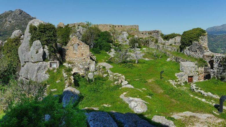 Die Ruinen der Zitadelle in der Burg von Gaucín