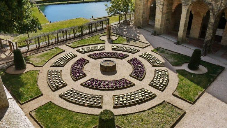 Gartenanlage vor dem Palast des Kaisers im Kloster Yuste