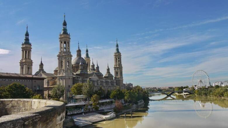 Kathedrale von Zaragoza El Pilar am Ebro
