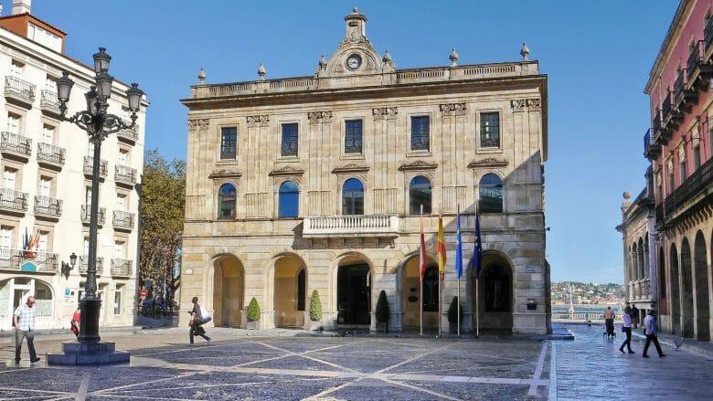 Plaza Mayor mit dem alten Rathaus