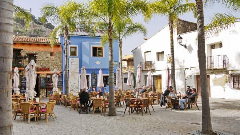 Im ehemaligen Fischerviertel am Hafen von Denia an der Costa Blanca