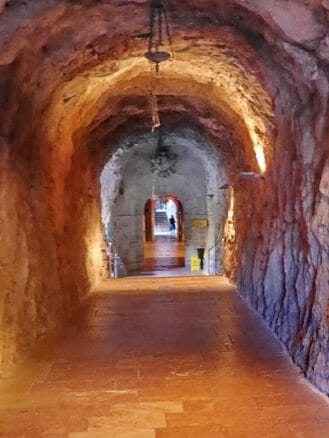 Der Eingang zur Santa Cueva de Covadonga