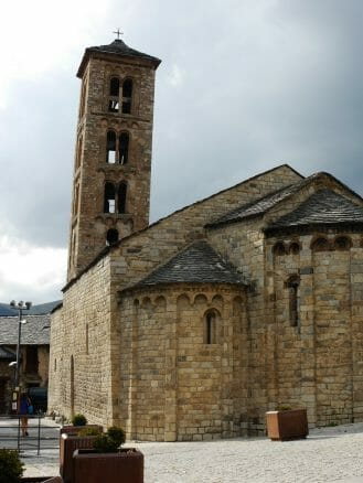 Die romanische Kirche Santa María in Taüll (UNESCO-Weltkulturerbe)