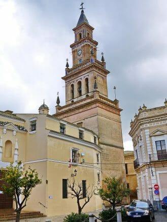 Die Kirche Santa María in Carmona wurde an der Stelle der ehemaligen Hauptmoschee errichtet