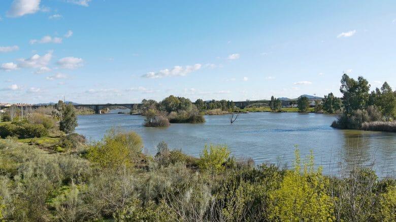 Blick auf den Fluss Guadiana bei Mérida