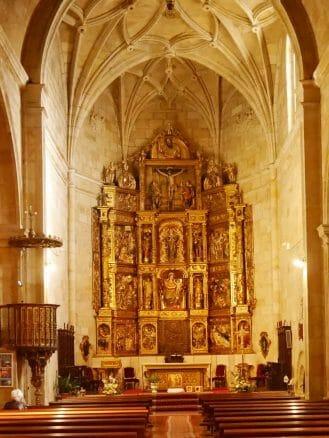 Altar der Kirche Nuestra Señora de la Mayor